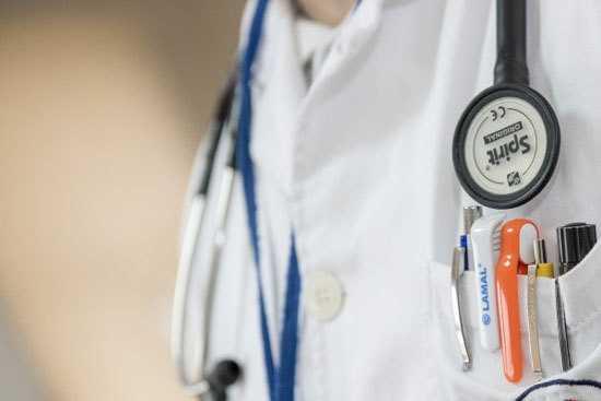 Для кого справка о состоянии здоровья может быть обязательной при приеме на работу